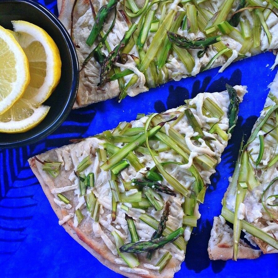 Vegan Asparagus Pizza with Lemon