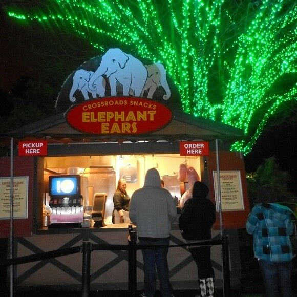 Portland Zoolights 2013 | What's for Dinner, Mama? {http://thegoodheartedwoman.com]