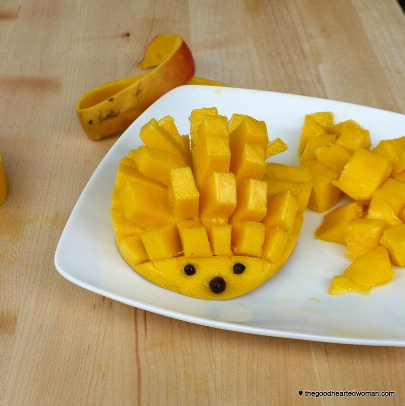 How to Dice a Mango - Plus a Mango Hedgehog