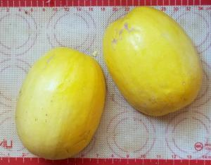 How to Cook Spaghetti Squash | The Good Hearted Woman