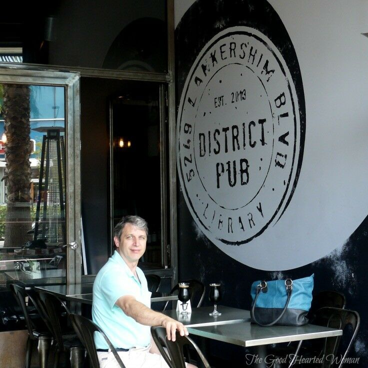 Review of the District Pub, North Hollywood, California | The Good Hearted Woman