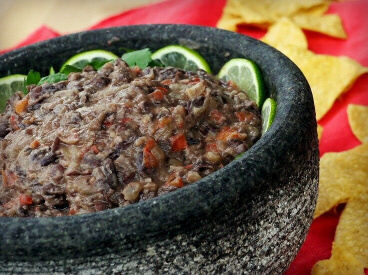 Creamy 15-Minute Cuban Black Bean Dip