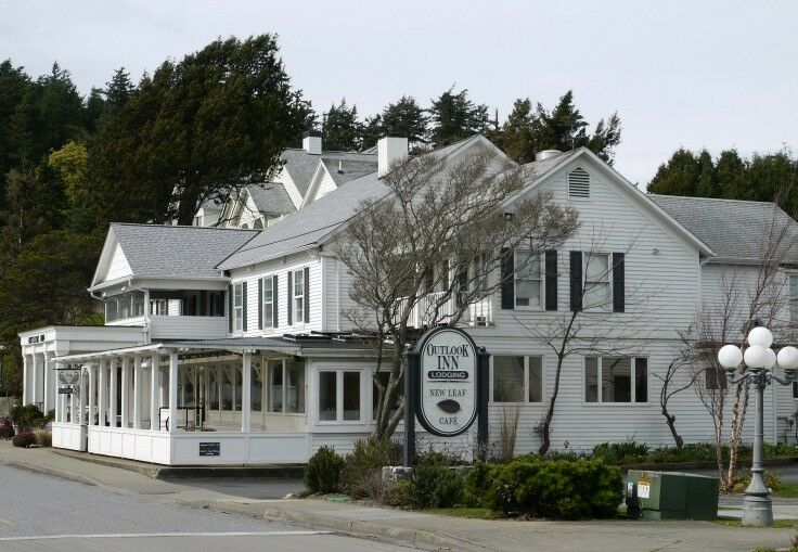 New Leaf Cafe, Eastsound, Orcas Island offers an exceptional menu of unpretentious elegance. | The Good Hearted Woman