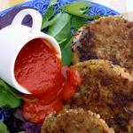 Pacific Northwest Dungeness Crab Cakes with Roasted Red Pepper Sauce | The Good Hearted Woman