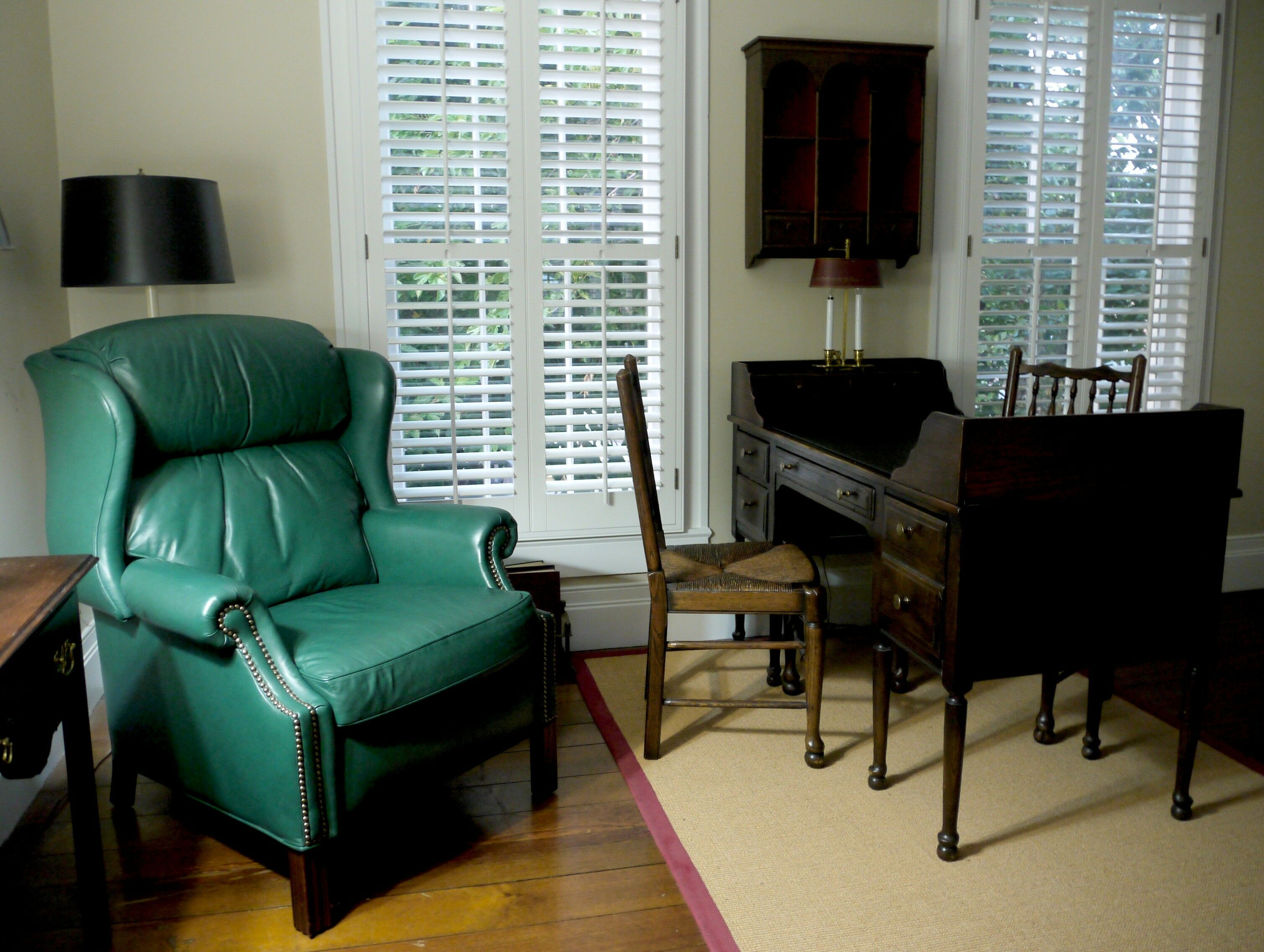 Sitting area - Southern Oregon Travel: McCully House {Jacksonville} | The Good Hearted Woman