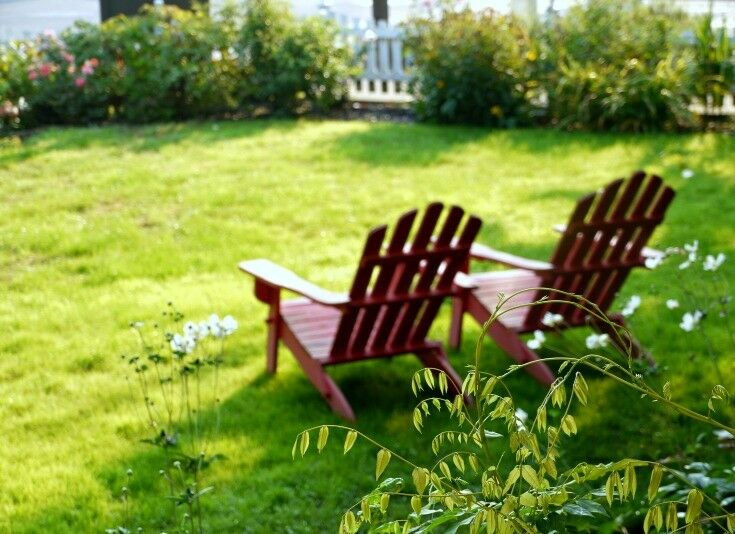 Adirondack Chairs - Southern Oregon Travel: McCully House {Jacksonville} | The Good Hearted Woman