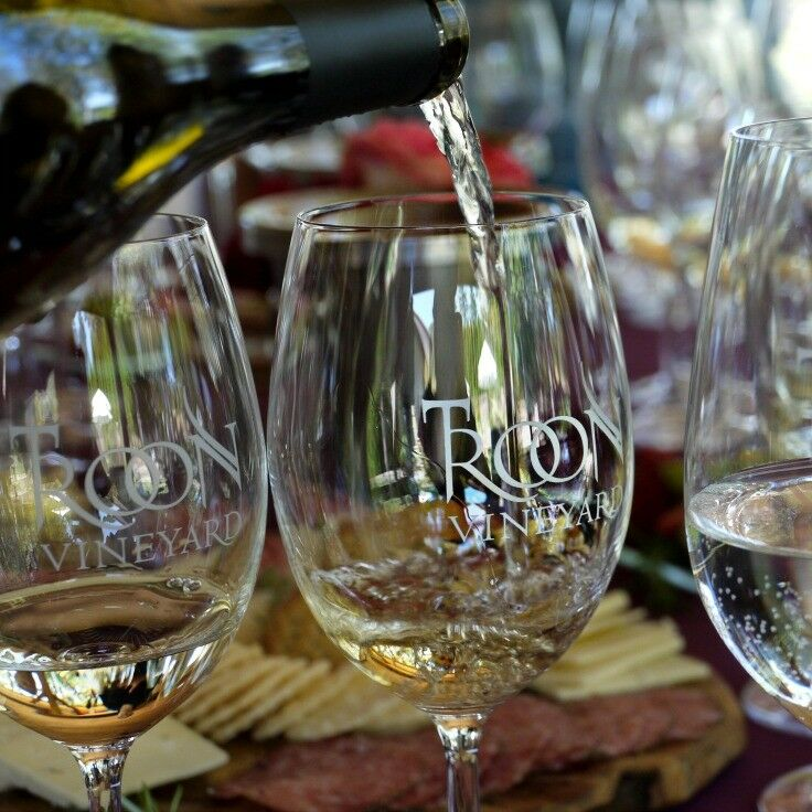 Troon Vineyard: Applegate Valley Wine Trail {Southern Oregon Travel} | The Good Hearted Woman