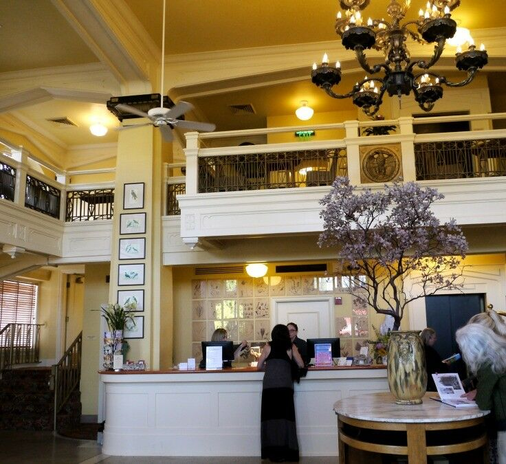 Ashland Springs Hotel - A Day in Ashland, Oregon | The Good Hearted Woman