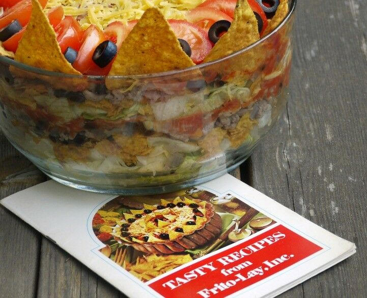 Your Favorite Taco Salad {Vintage Recipe Redux} | The Good Hearted Woman